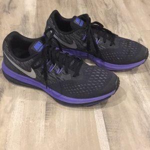 🌲NIKE🌲 Women's 9.5 Running shoes